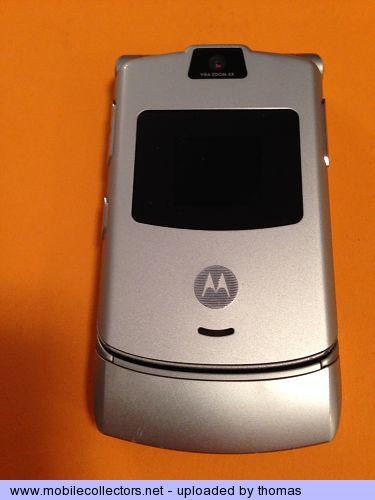 Motorola RAZR V3 silver - Mobilecollectors.net